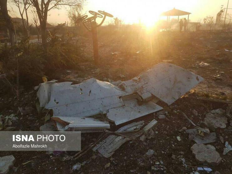 З'явились фото з місця авіакатстрофи в І…