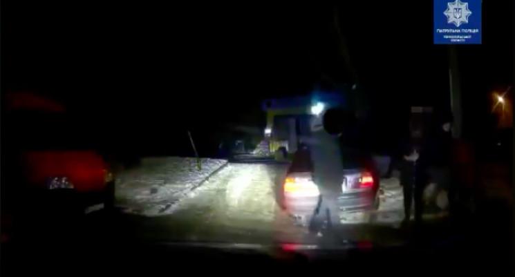 П'яний водій з п'ятьма пасажирами влашту…