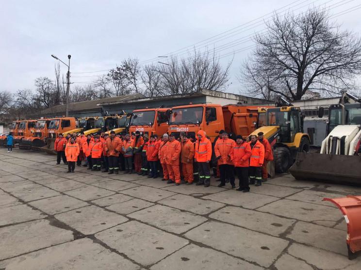Одеські комунальники показали техніку, з…