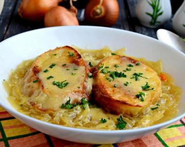 Історія на тарілці: Шлях цибулевого супу…