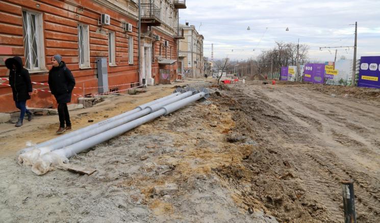 В Одессе ремонтируют спуск Маринеско, дв…