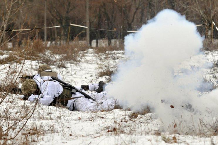 На Старый Новый год боевики ранили двух…
