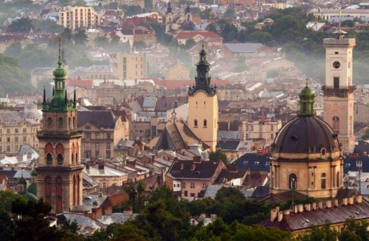 Як затопило центр Львова (ФОТО)…