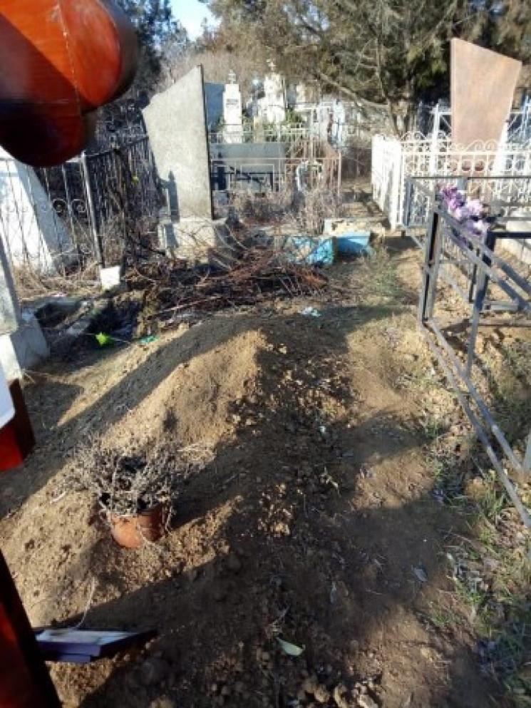 На Миколаївщині вандали спаплюжили могил…