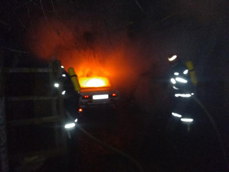 На Кропивниччине сгорел гараж с машиной…