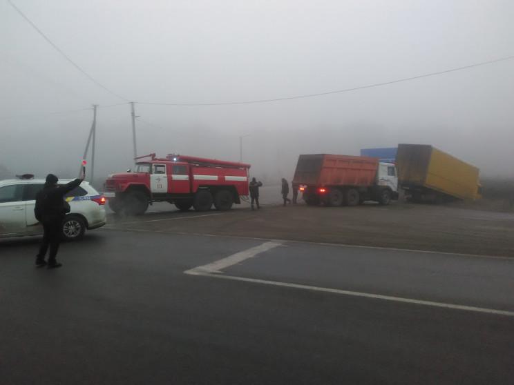 На Кропивниччине грузовик слетел с дорог…