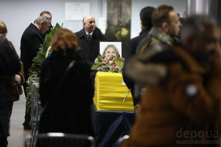 У Борисполі оплакують загиблих у авіатро…