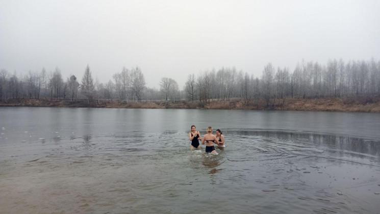 Як купалися у Трускавці на Водохреща 202…