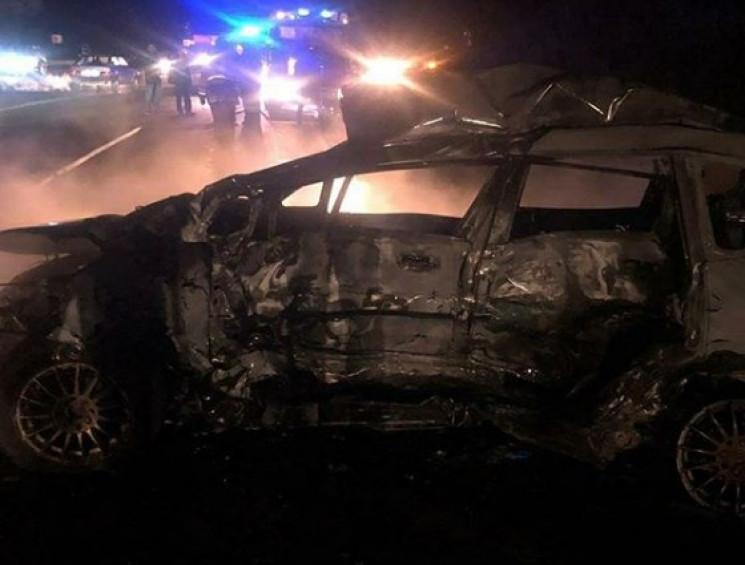 На Кубані після аварії загорівся автомоб…