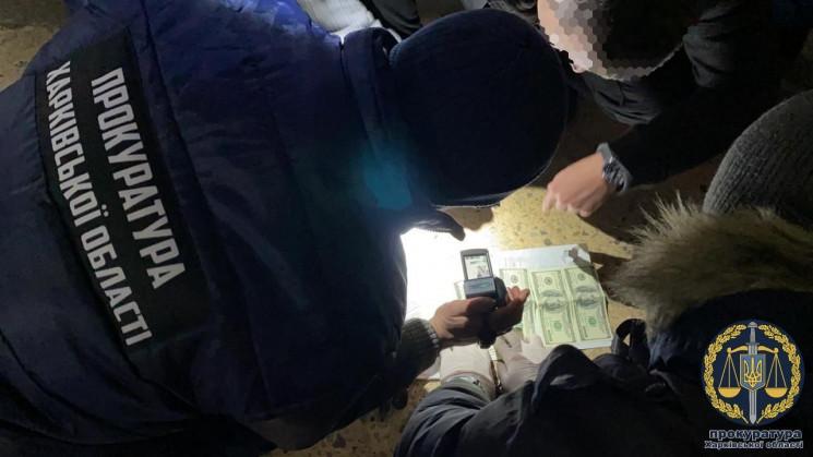 Харківський митник попався на доларовому…