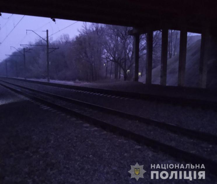 На Харьковщине поезд переехал 32-летнюю…