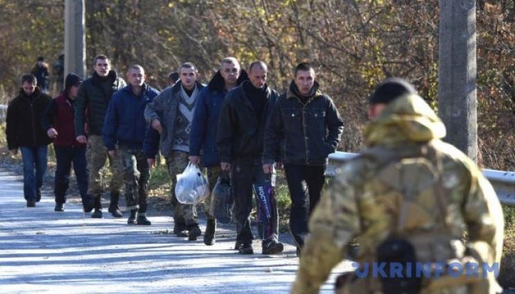 На Донбасі бойовики незаконно утримують…