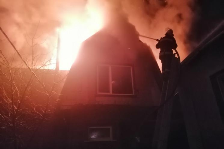 Под Харьковом спасатели четыре часа боро…