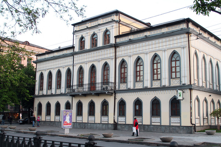 """У Дніпрі через новий музей """"Приватбанк""""…"""