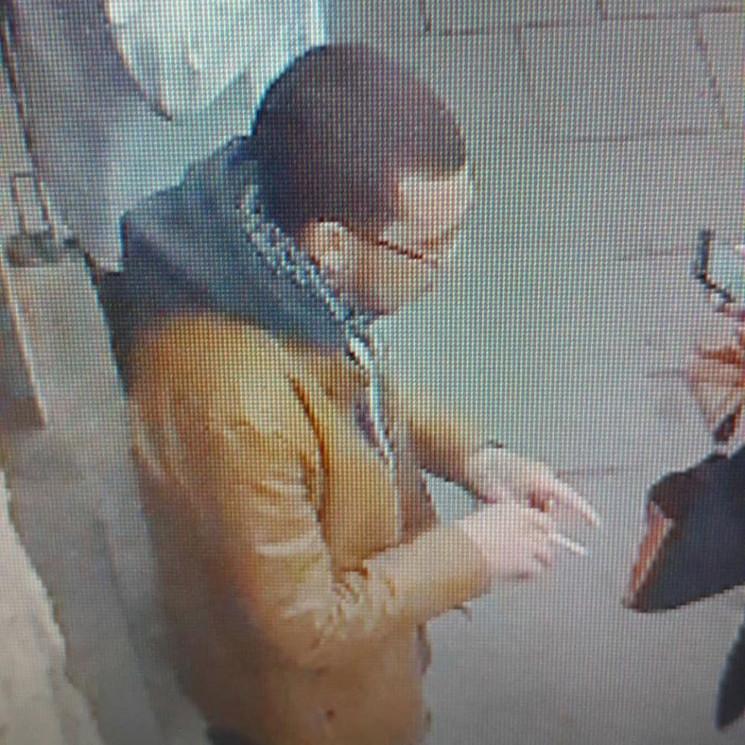 У центрі Львова чоловік здійснив крадіжк…
