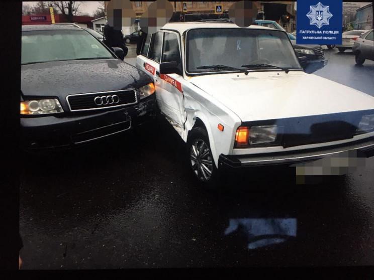 В центре Харькова врезались две легковуш…