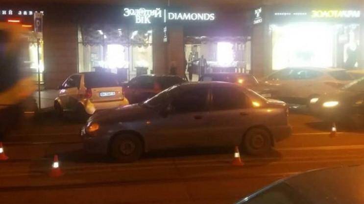 У центрі Одеси поліцейський збив жінку,…